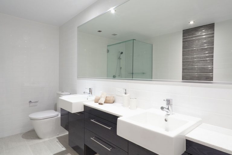 Bathroom renovation - Qualitas Builders