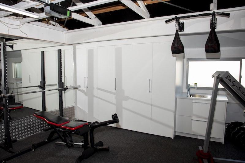 Hidden laundry Woodfern Crescent renovation - Qualitas Builders - Glen Eden Auckland