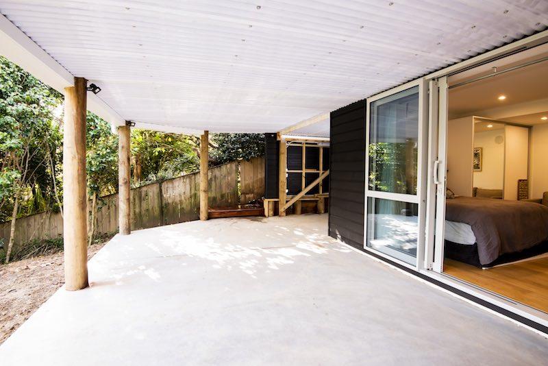 Self contained unit entrance - Woodfern Crescent - Qualitas Builders Titirangi