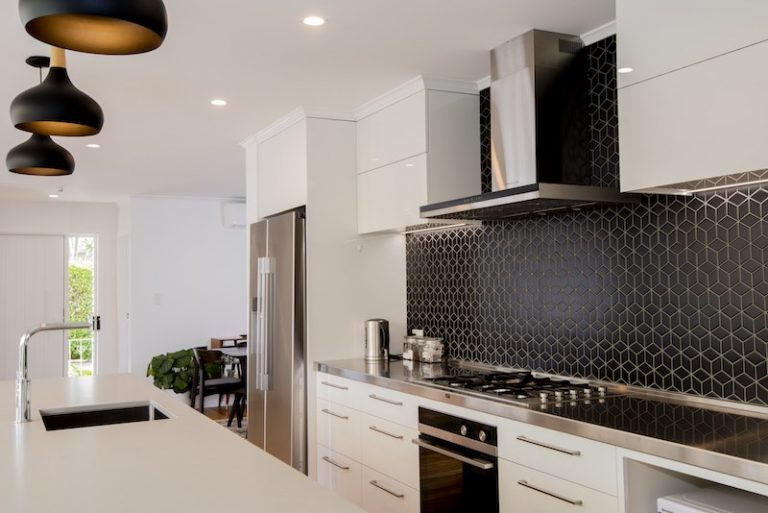 Kitchen renovation - Auckland bungalow - Qualitas Builders - Oratia
